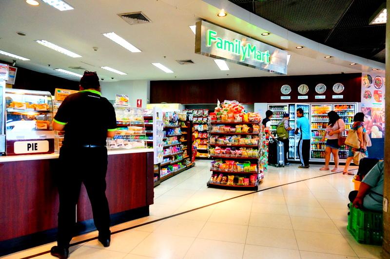 スワンナプーム 国際空港 コンビニ